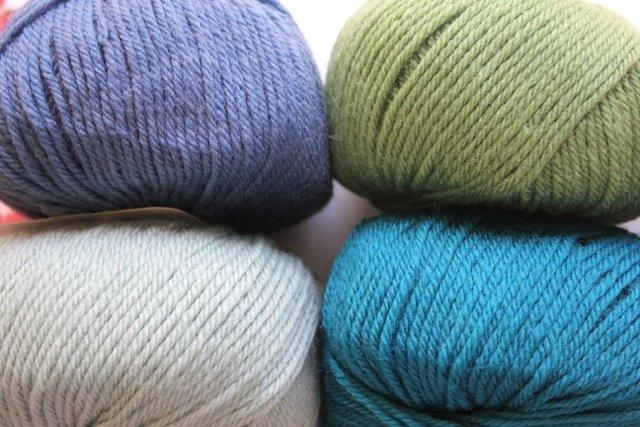Heirloom Merino Magic 8ply - sea green 221