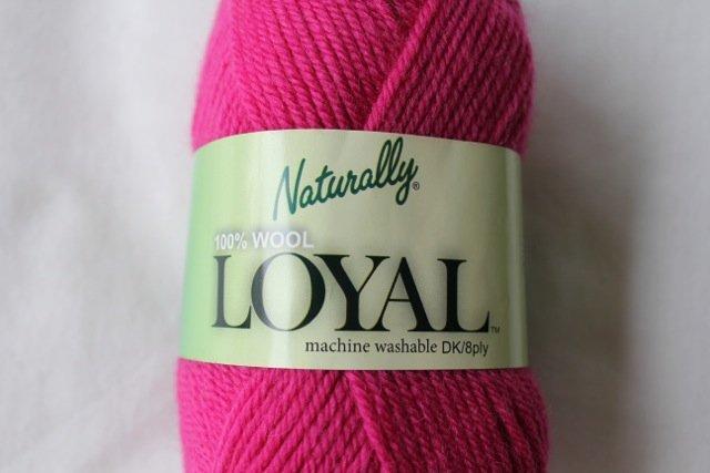 Loyal 8ply (DK) - fuchsia 943