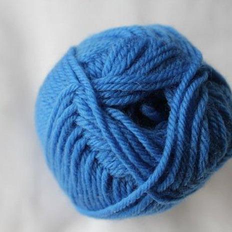 Loyal 8ply (DK) - mid blue 924