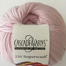 220 Superwash - Soft Pink 902