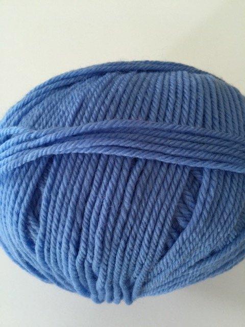 220 Superwash - Blue Horizon 896