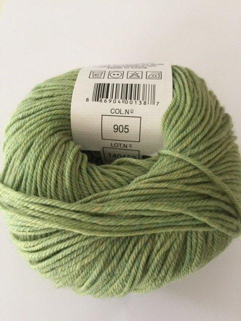 220 Superwash - Celery 905