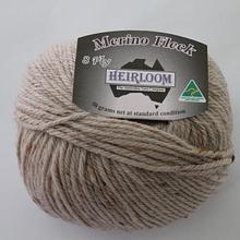 Heirloom Merino Fleck 8ply - light brown 562