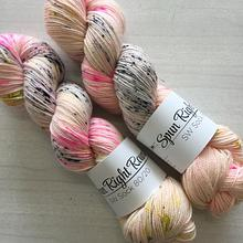 Spun Right Round SW Sock 80/20 - Fierce poodles