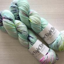 Spun Right Round SW Sock 80/20 - clairvoyant