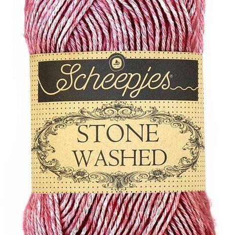 Scheepjes Stone Washed - corundum ruby 808